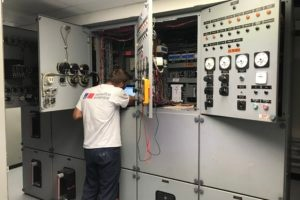 CurtisEngine_Switchgear_Maintenance-1-300x200